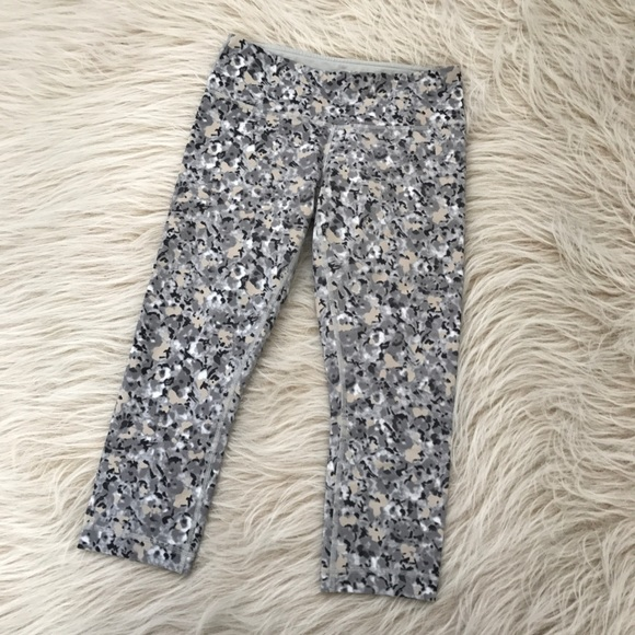bde60835a3 lululemon athletica Pants - Lululemon wonder under silver spoon floral gray  6