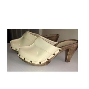 Cream Patent Leather Aldo Marlee Clogs