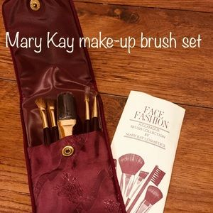 Mary Kay makeup brush set