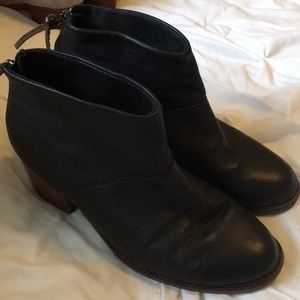 Black Leather Toms Leilas