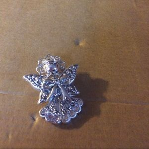 Jewelry - Angel pendant or pin