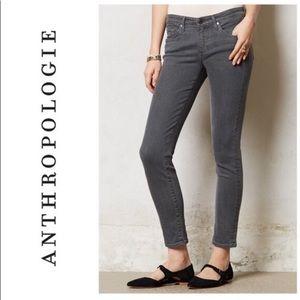 ANTHROPOLOGIE AG Slim Straight Stevie Ankle Jeans