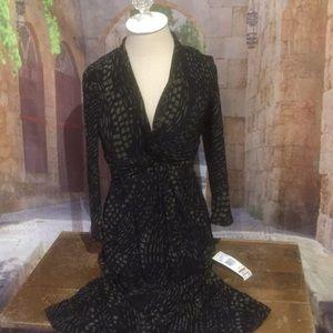 Jones New York black and olive long sleeve dress.