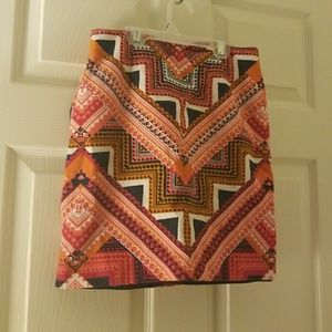 Printed mini skirt with pockets
