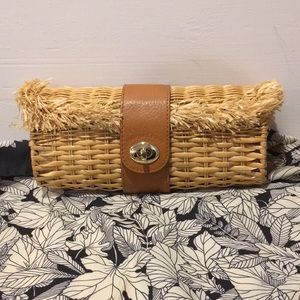 Vineyard Vines Straw Clutch