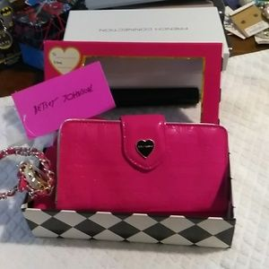 Celly wallet Betsey Johnson