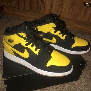 brand new 7fa00 0f3f3 Air Jordan Shoes - Air Jordan 1 mid new love 2017