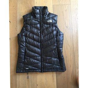 Women's Northface 550 vest