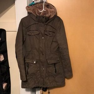 Forever 21 Winter Coat w Hood Parka Jacket Warm
