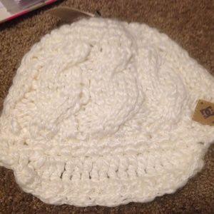 DC White Knit Winter Beanie Hat NWT