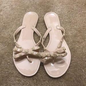 Chinese Laundry flip flops