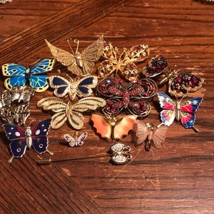 Jewelry - Lot of 14 butterflies brooches and stick pins