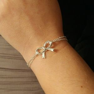 Just In! 3 for $15 Dainty Bow Bracelet