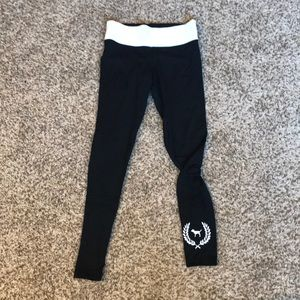 Black leggings with white band
