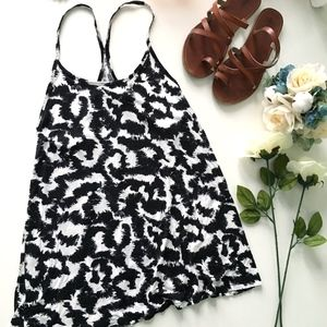 H&M Black and White Flowy Swing Tank Top
