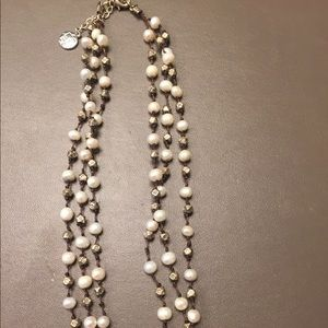 Triple stand pearl necklace