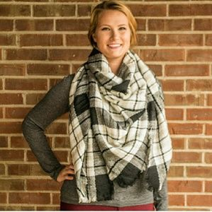 Blanket Scarf Black and Grey
