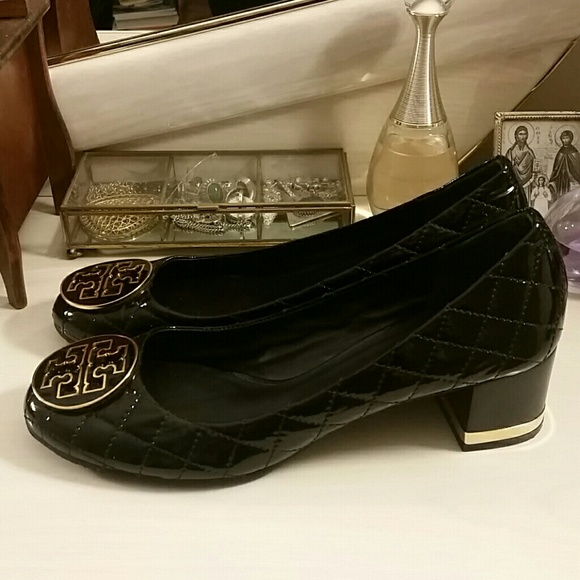 Tory Burch Black and Gold Quilted Shoe