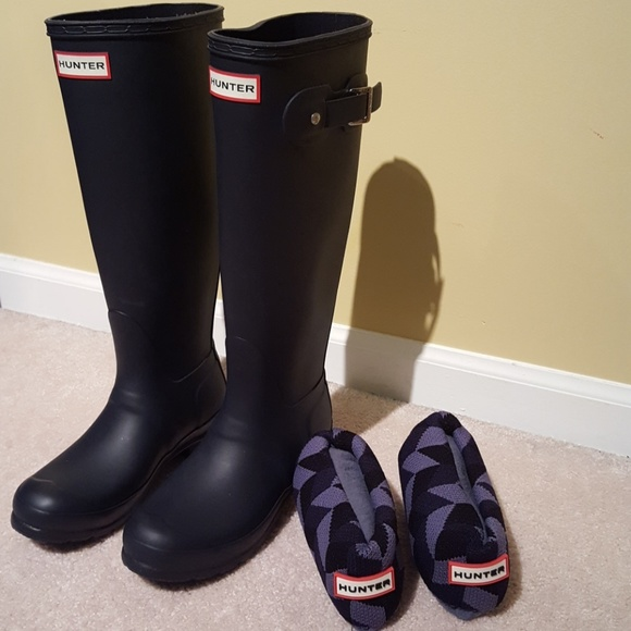 95ba2d84f9c8 Hunter Boots Shoes - Nearly New HUNTER tall rain boots womens 6