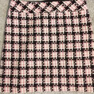 houndstooth tweed pencil skirt