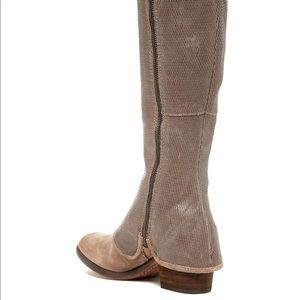 Donald Pliner Devi4 snake print leather boots new