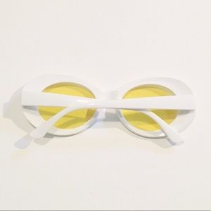 084b9429dc Brandy Melville Accessories - sunflower clout goggles