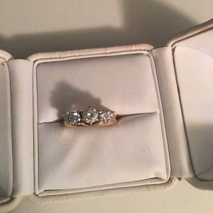 Jewelry - Engagement ring w/wrap