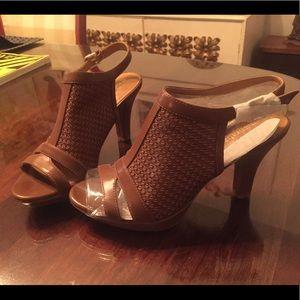 Brown Heel Sandals Size 6.5