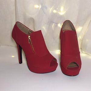 Size 8 Qupid heels