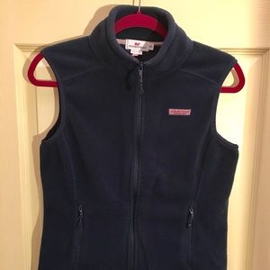 🐳 Vineyard Vines fleece vest.  Navy XS
