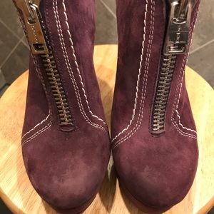 BEBE PURPLE SUEDE FRONT AND BACK ZIP HIGH HEEL