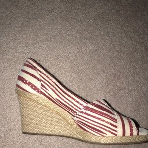 Tom's striped wedges size 8 1/2