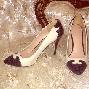 Decorative pointy toed heels