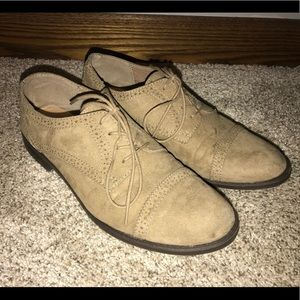 Size 9 women's suede oxfords