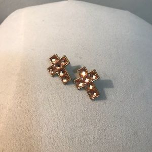 Jewelry - ✨rose gold sparkly cross earrings in gold setting✨