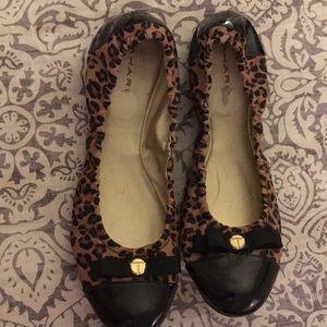 Tahari Leopard Ballet Flat Sz 9