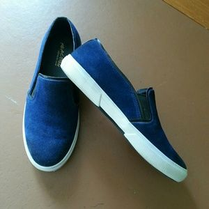 Kenneth Cole Reaction Navy slip on