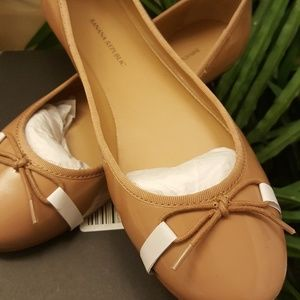 Banana Republic Nude Flats