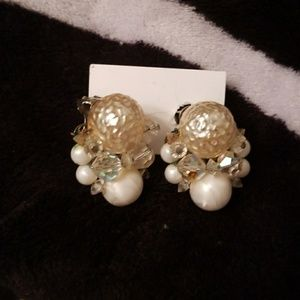 Nwt Monet Vintage Cluster Clip On Earrings