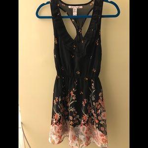 American Rag floral vneck dress