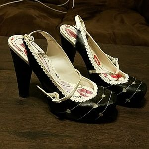 Betsey Johnson black and white heart heels