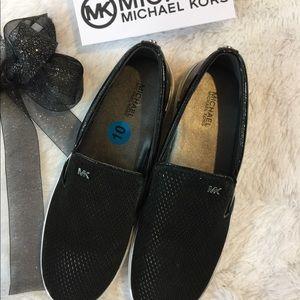 NWT  Michael Kors Sneaks