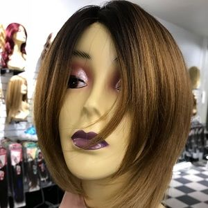 Accessories - Ombré short thick wig NEW WIG ALERT