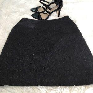 Eddie Bauer Black/ Gray Skirt Size 4.