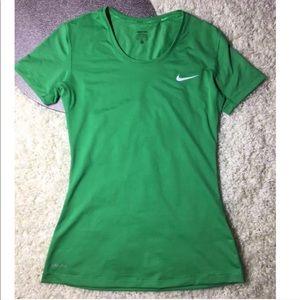 Nike women's pro dry fit sports top