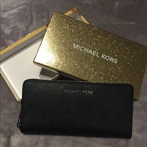 Brand new NWT Black Michael Kors Wallet