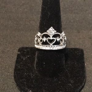 Jewelry - SILVER & CRYSTAL CROWN RING