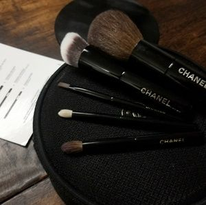 CHANEL travel makeup brushes