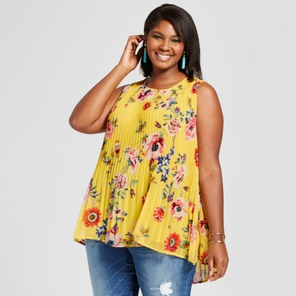 98adfa8a9d641 Ava   Viv Tops - New floral plus size pleated yellow size top
