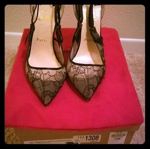 Christian Louboutin Black Lace, Red sole pump
